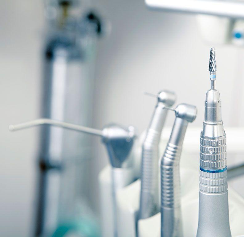 Clínicas Reydental - Implantes transcigomáticos